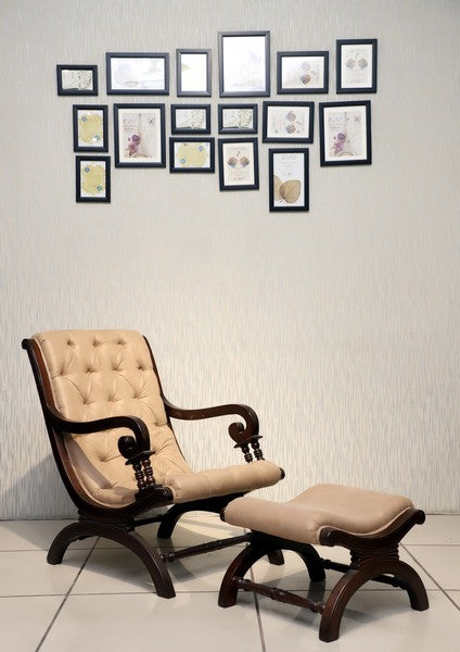 Relaxo Lounge Chair With Ottomon