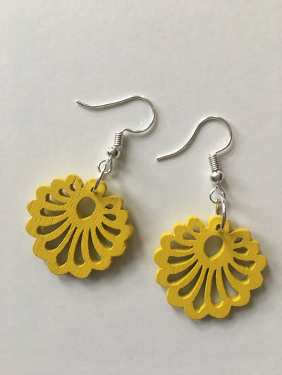Yellow flower round earrings