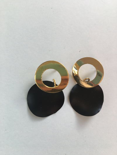 Black strong ring earrings