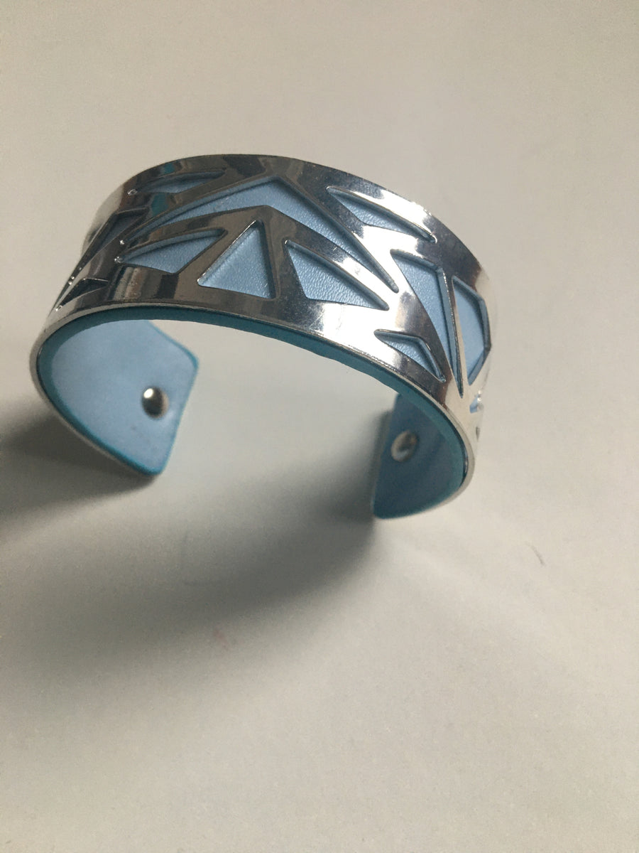 Light blue and silver geometric bracelet