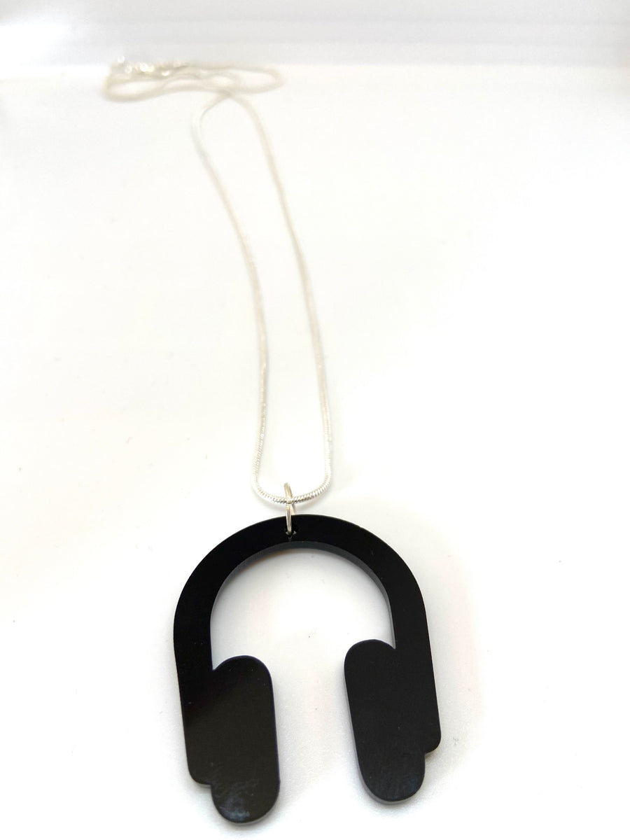 Black headphones necklace