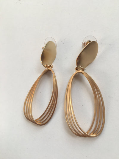Multi circled gold earrings