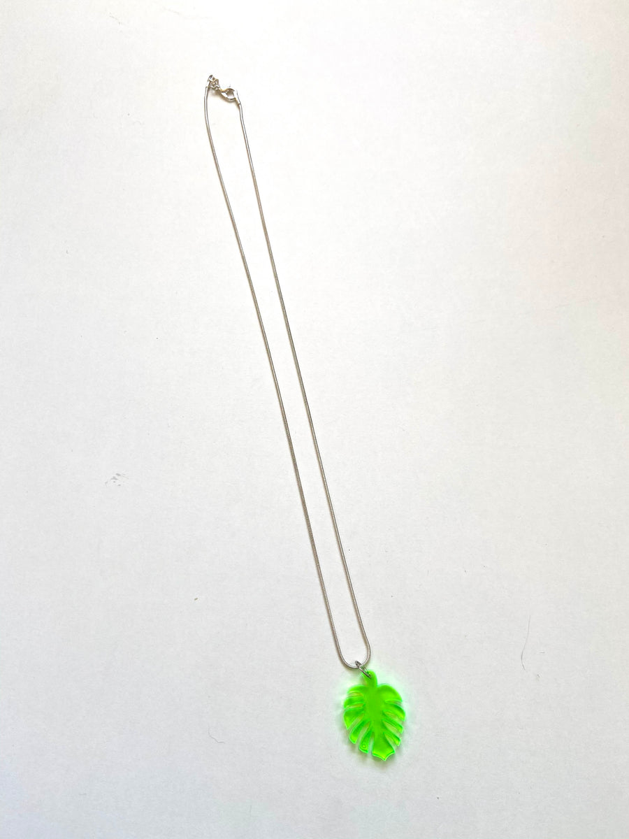 Green leaf acrylic necklace