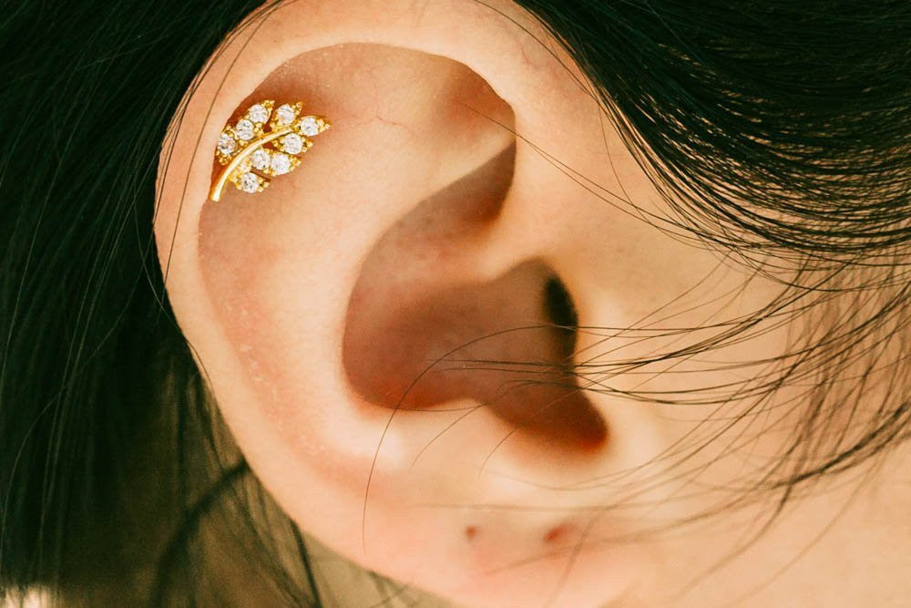 Cute leafs piercing