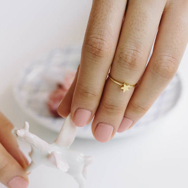 Tiny Star Knuckle Ring