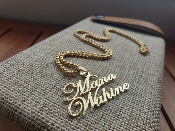 Mana Wahine necklace gold