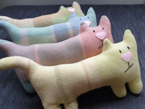 Vintage Wool Long Cat assorted