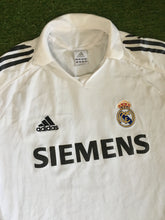 Load image into Gallery viewer, Real Madrid Home Shirt 2005 2006 L
