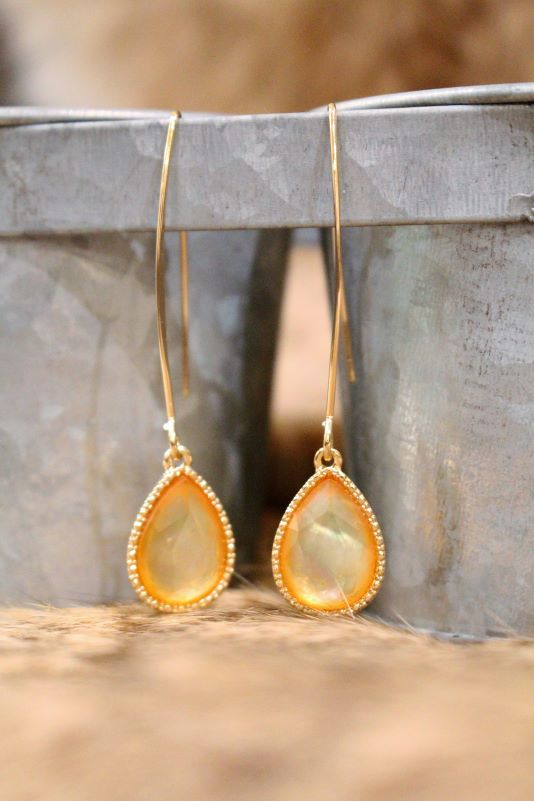 Trendy Teardrops With Apricot Stone