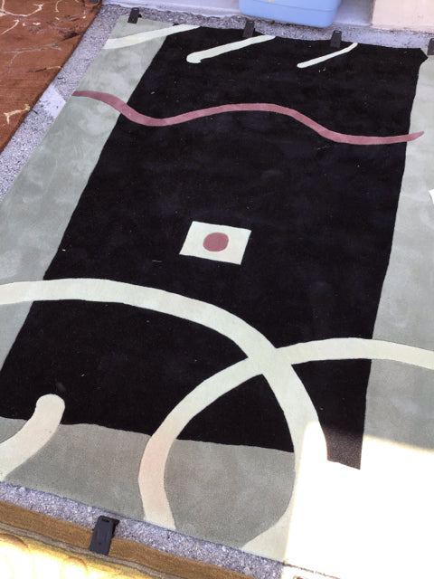 Black Center and Beige Edge Area Rug