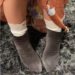 Scalloped Edge Lace Socks - Ankle