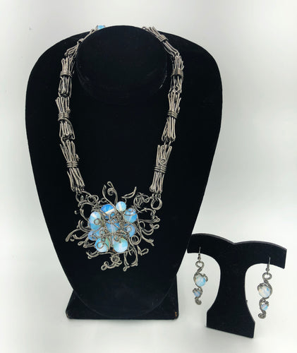 Chanour Floral Handcrafted Necklace & Earrings