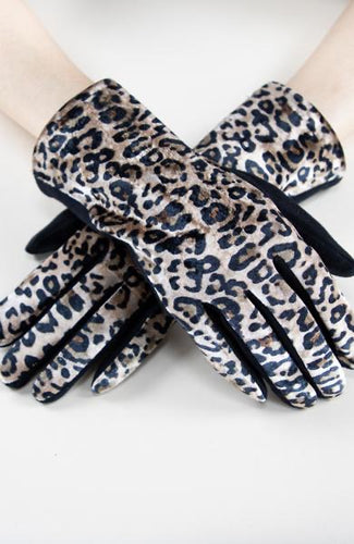 Gloves - Camille and Company Front Leopard Gloves