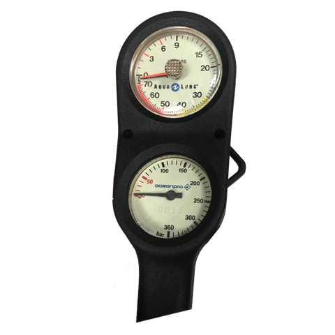 Twin pressure and depth gauge console
