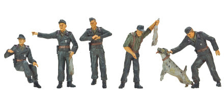 HUNTING CREW-5 FIGURES W/ DOG & RABBITS