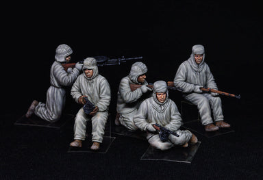1/35 Miniart Soviet Assault Infantry (Winter Camouflage Cloaks)