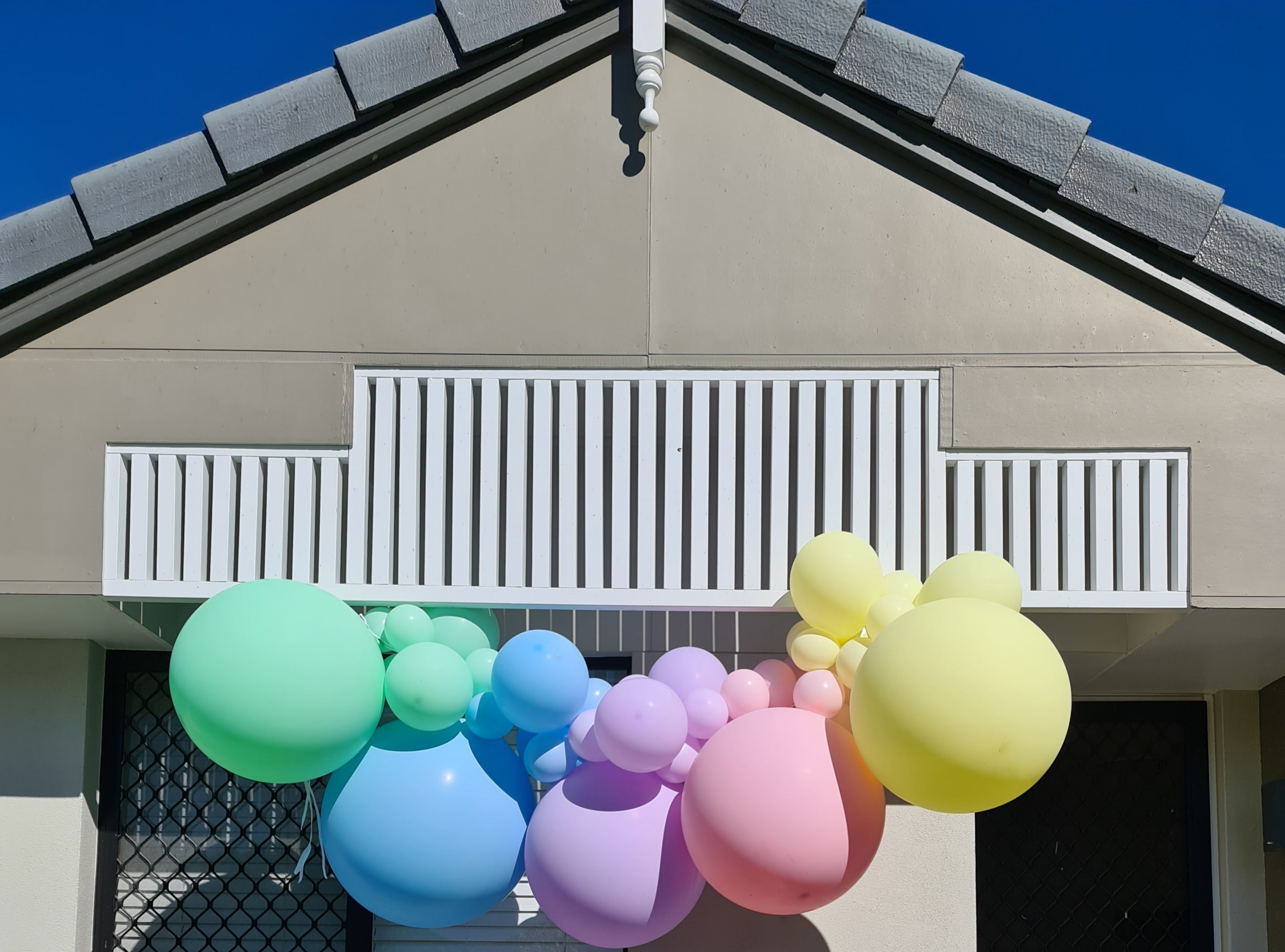 balloon garlands and event styling brisbane