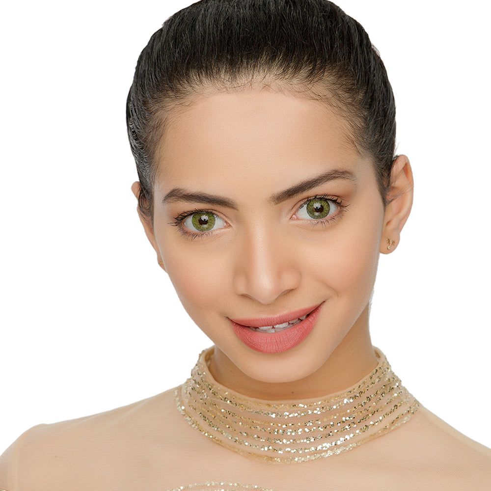 Natural Mel Colored Contacts Model Natural Looking Picture