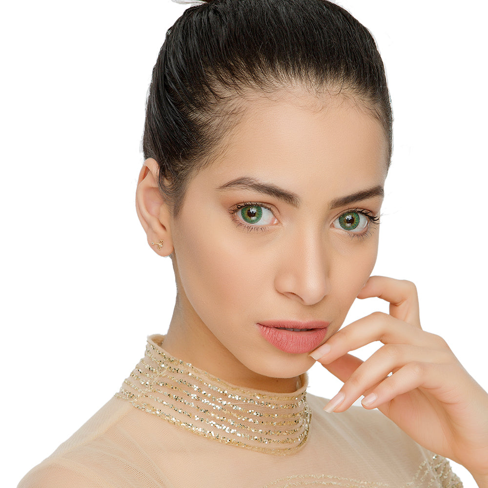 Natural Esmeralda Green Color Contacts Model Natural Looking Picture