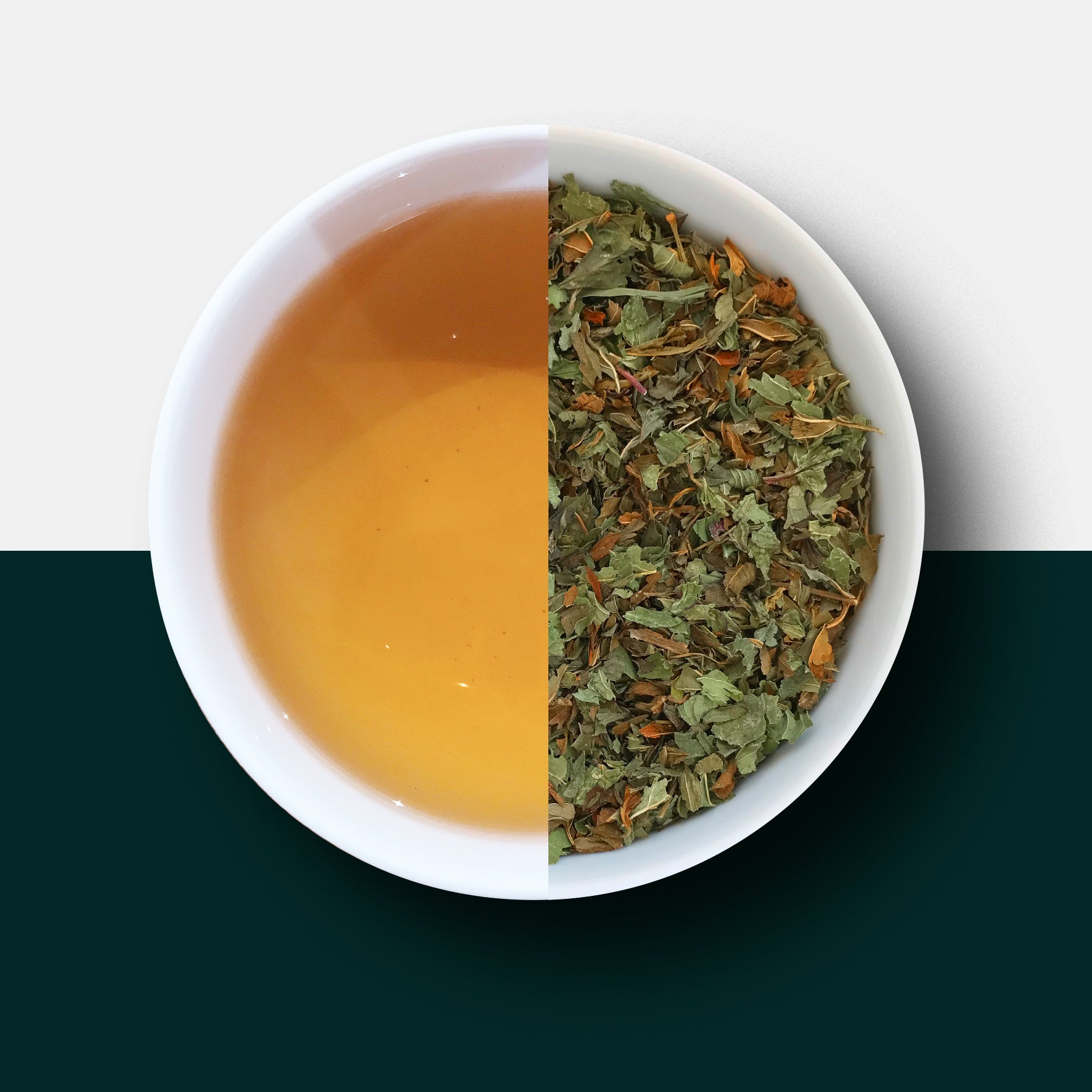 Peppermint tea - loose leaves and liquid