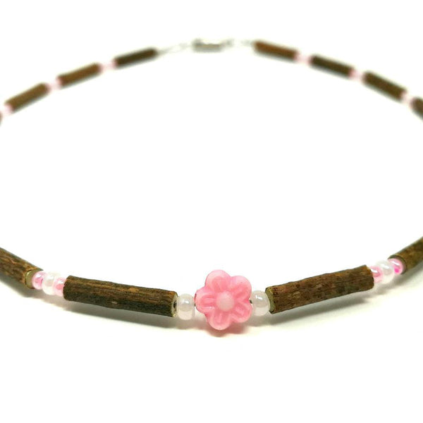 B02 | Hazel wood & pink flower