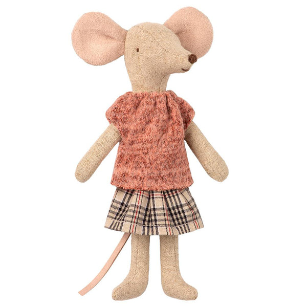 Mum Mouse with Plaid Skirt