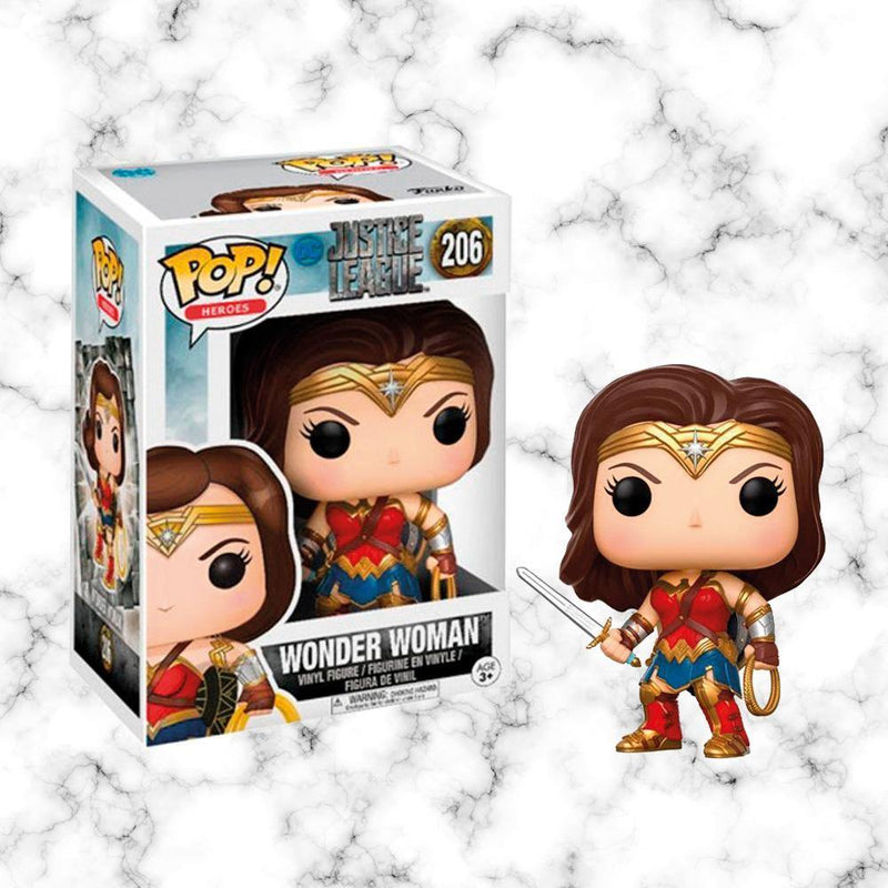 Funko Pop Wonder Woman w/ Swor - Space Store Chile