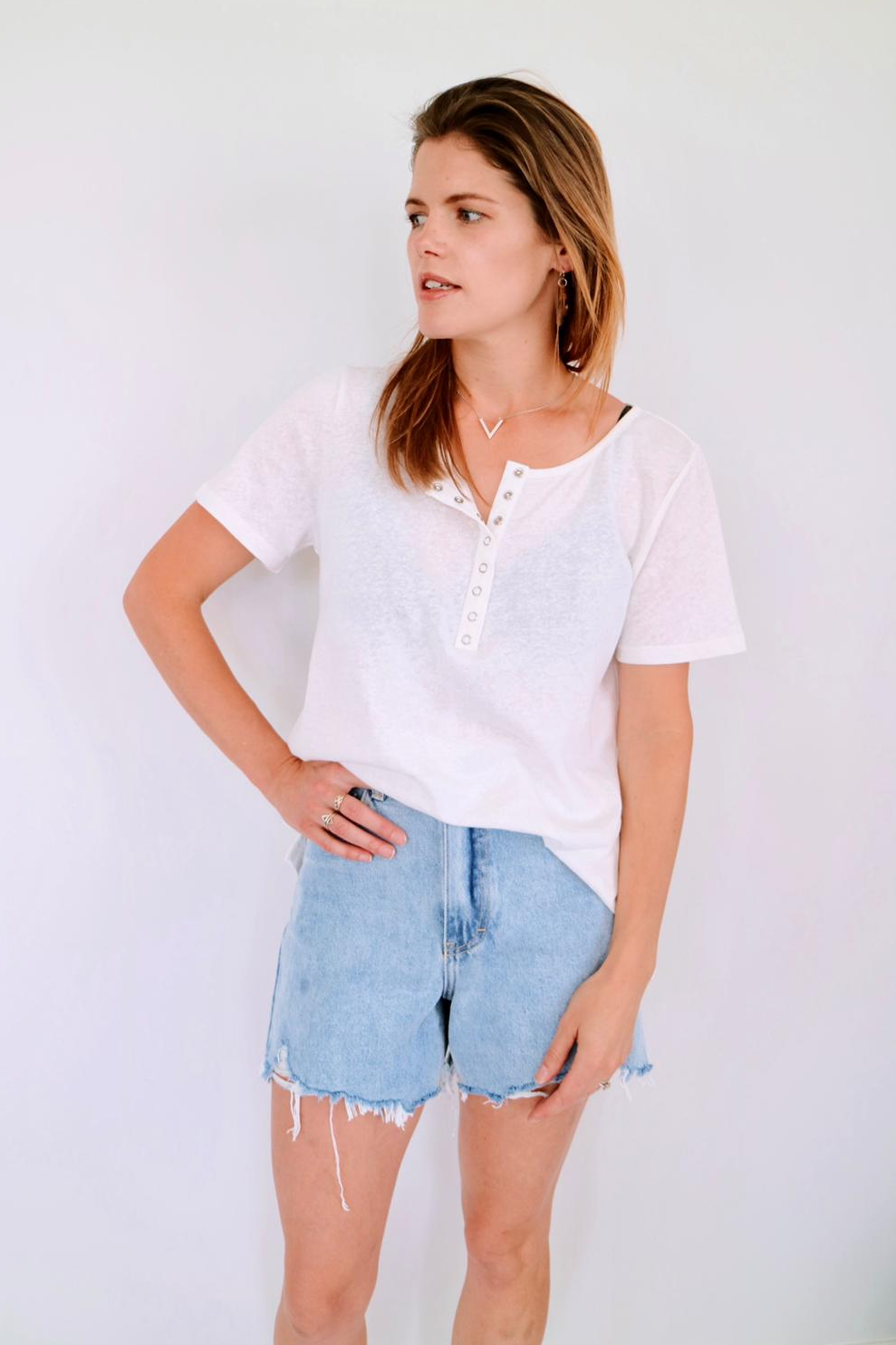 stylish-breastfeeding-linen-tee