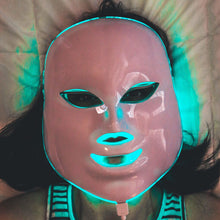 Load image into Gallery viewer, RosaLight™ - The Rosacea Phototherapy Mask