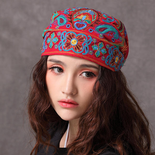Women Vintage Embroidery Beanie Hat