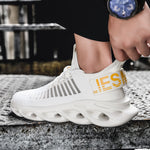 Men Lightweight Mesh Sneakers