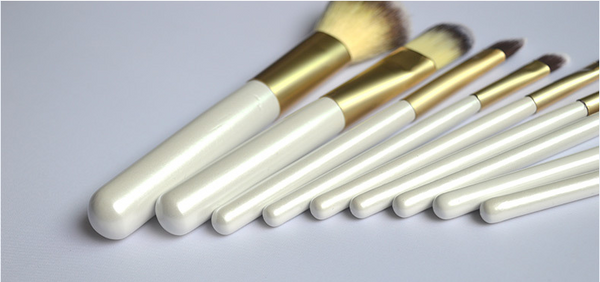 9pc White Gold Professional Make Up Brush Set