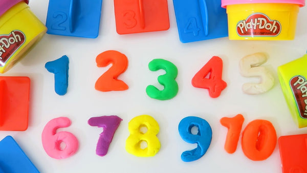 22 Piece Play-Doh Learn About Shapes and Numbers