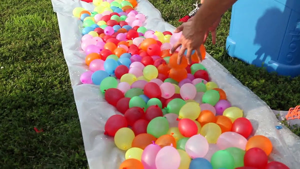 Magic Self Tying Water Balloons