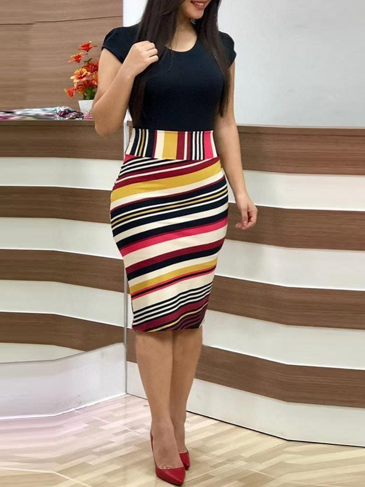 Knee-Length Short Sleeve Round Neck Stripe Pullover Dress