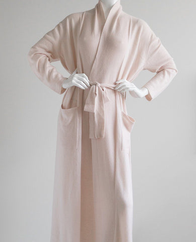 https://www.aulitfinelinens.com/products/arlotta-long-cashmere-robe-pink-champagne