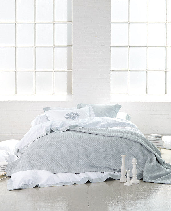 Au Lit Shop The Look: Washed Linen Skylight Bed