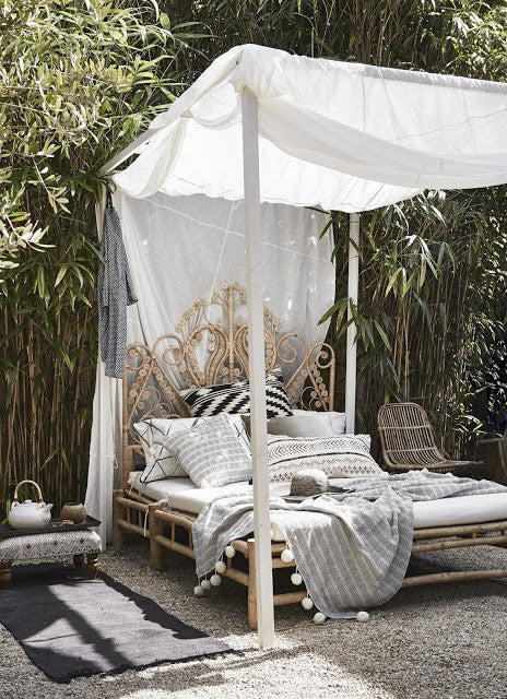 the ornate bed frame the billowing canopy not to mention this bed is literally situated in a forest of bamboo this bed is truly the apex of romance - Beutiful Bed