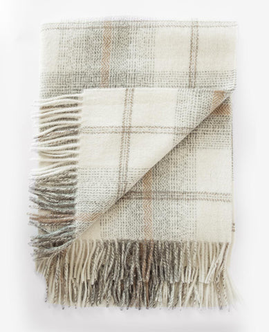 Awenda Ivory/Tan Throw