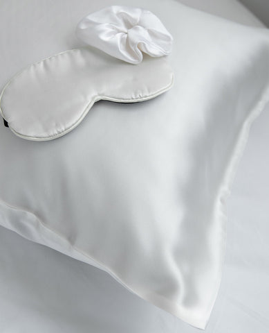Pure Silk Beauty Sleep Set White & Grey