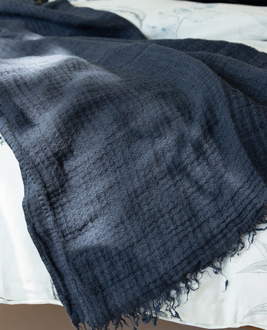 Hampton Navy Linen Throw