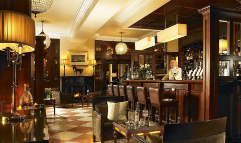 The Hayfield Manor bar Freres De Voyages