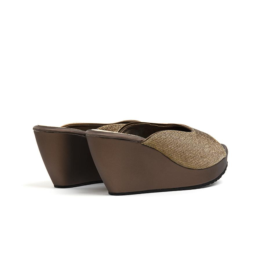Mikal Wedges Madre
