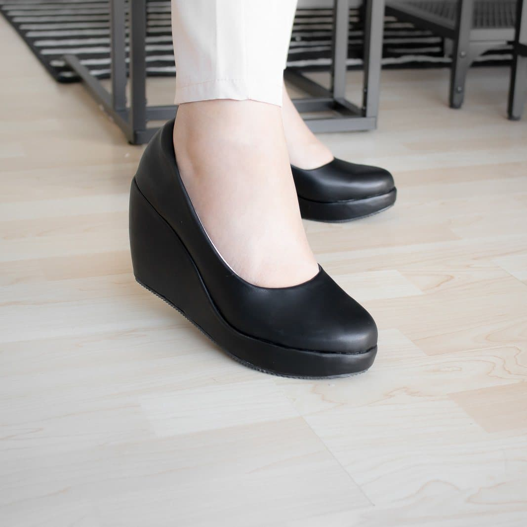 Della Wedges Madre Collection