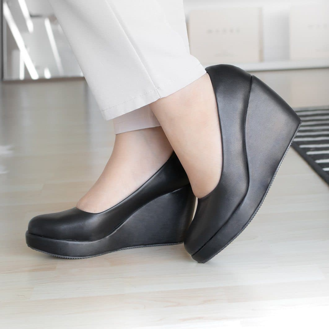 Della Wedges Madre Collection 35 Black