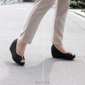 Tania Wedges Madre Collection 35 Black