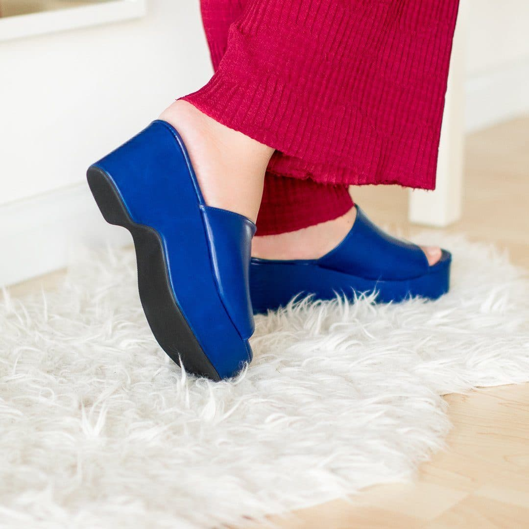 Zevvy Wedges Madre Collection