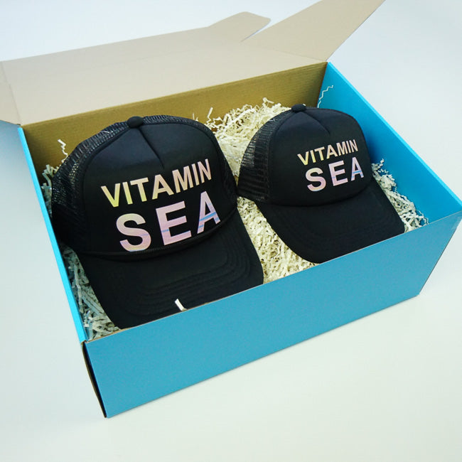 GIFT BOX : VITAMIN SEA Matching Trucker Hat Set