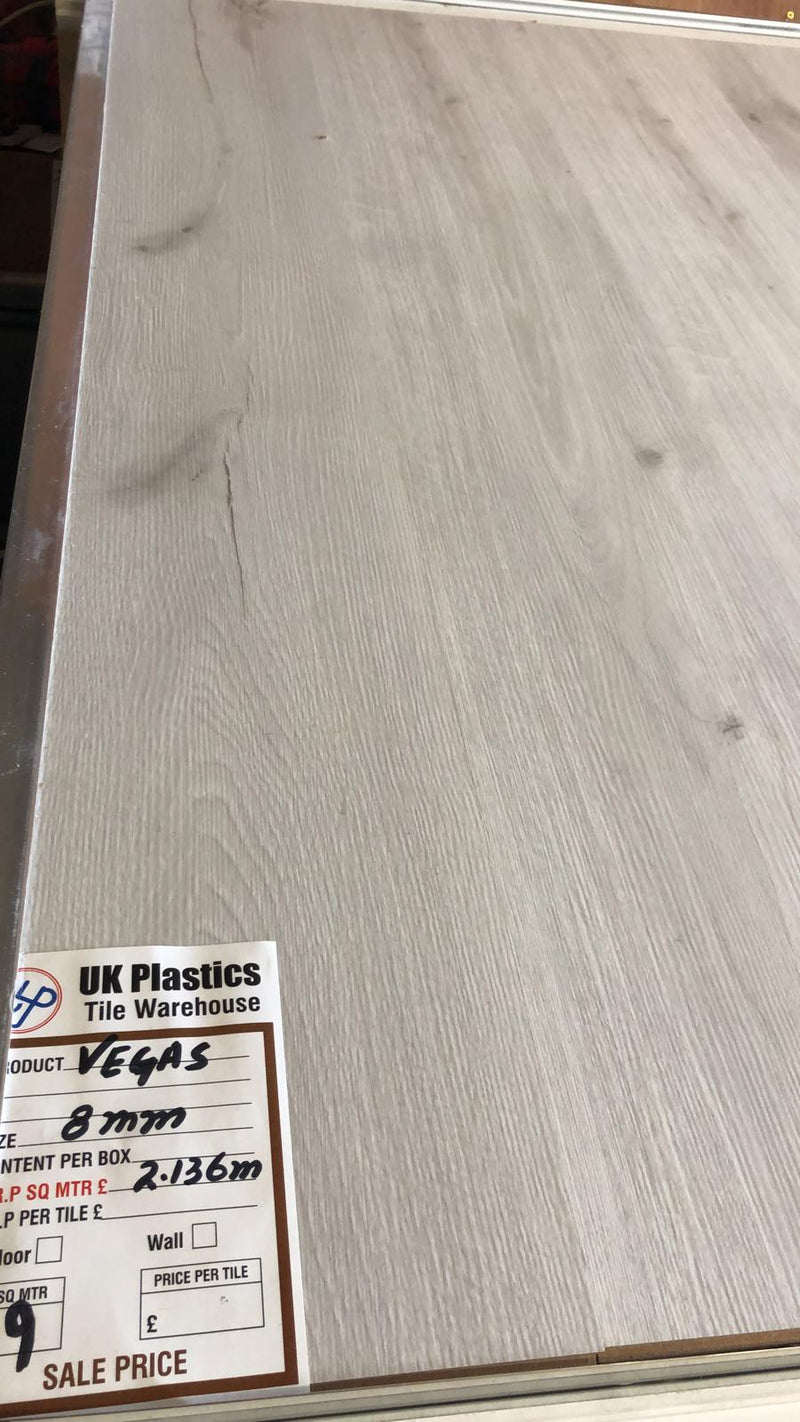 Vegas 105 Laminate Flooring 8mm