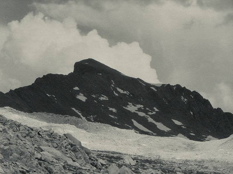 Muir Pass, The Black Giant